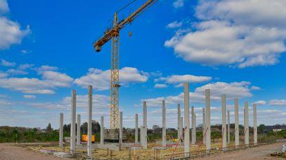 Bouw nieuwe brandweerkazerne eindelijk weer uit de startblokken: bovenbouw wordt stilaan zichtbaar