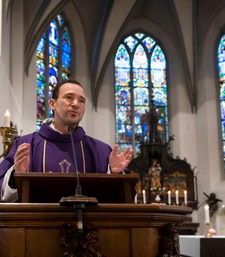 Geliefde 'doppenkapelaan' moet in Eindhoven aan de slag en verlaat Sint-Michielsgestel