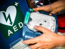 Oss legt ruim halve ton opzij voor levensreddende AED's in de stad en álle dorpen