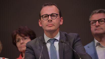 """""""Tijd voor een nieuwe stuurman bij CD&V"""": burgemeester van Ham en partijgenoot haalt hard uit naar Wouter Beke"""