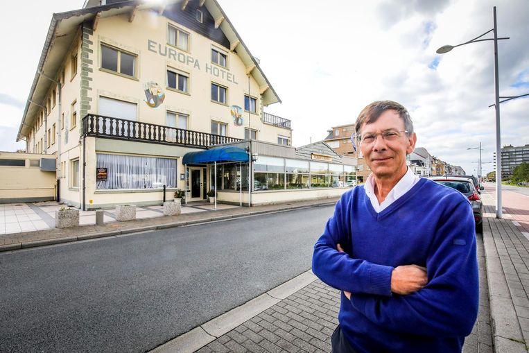 Frederik Corneillie sluit de deuren van het Europa Hotel, waar vooral families kwamen overnachten.