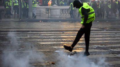 """Frankrijk start onderzoek naar """"Russische bemoeienis"""" bij protest gele hesjes, Rusland ontkent"""