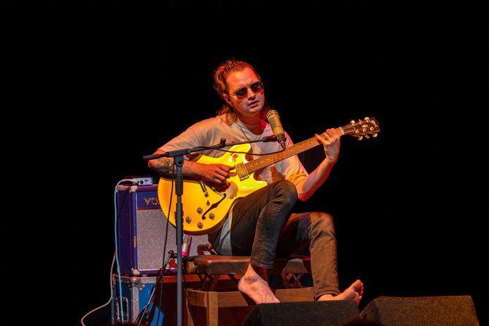 Jett Rebel, dinsdagavond tijdens een van zijn drie concerten in de Kattendans in Bergeijk.