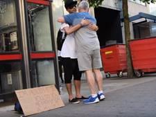 22-jarige moslim vraagt om knuffels in Manchester