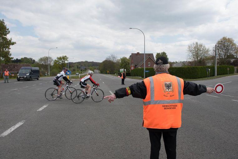 Een paar honderd meters verder op dezelfde weg, maar op Ronses grondgebied, stonden er zelfs drie seingevers.