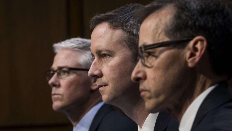 Van links naar rechts: Colin Stretch, advocaat van Facebook, Sean Edgett, advocaat van Twitter en Richard Salgado van Google