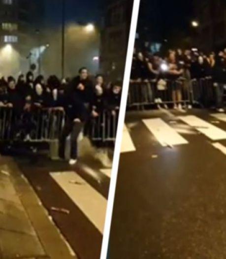Des dizaines de supporters de Charleroi célèbrent la victoire en Europa League sans gestes barrières