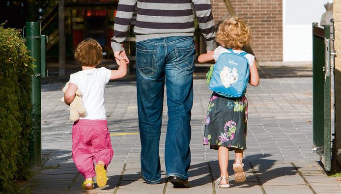 Kinderen kunnen in Brabant meestal lopend naar school (foto: ANP)
