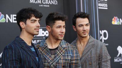 VIDEO. Jonas Brothers verrassen fan in het ziekenhuis