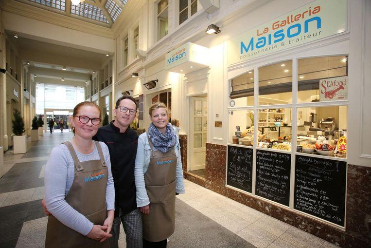 Ingrid Perquy, Dominique Bouttelisier en Valerie Pyck bij de nieuwe traiteurzaak in de Ensorgalerij. Ook in de Leffingestraat komt een vestiging van 'La Galleria Maison'.