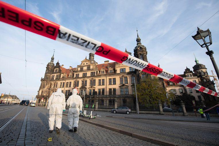 Bij de kunstroof zijn volgens de politie minstens vier daders betrokken geweest.
