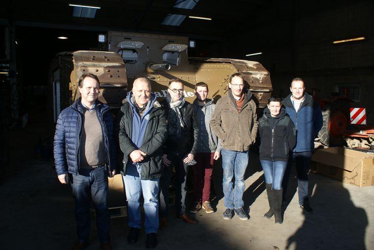 Laurent Hoornaert, Geert Samyn, Luc Vanbeselaere, Enrique Billiau, Stijn Butaeye van het tankteam, hevige supporter Fanny Boone en Jurgen Van Ecke van Hydrauvision.