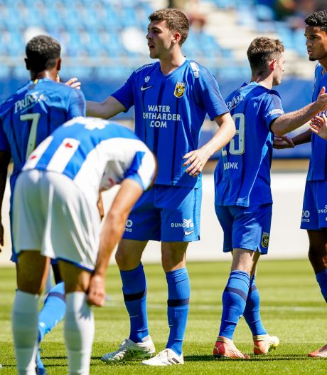Vitesse verslaat in Friesland ook Heerenveen