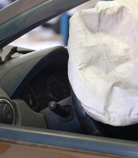 'Is het gevaarlijk om scheef achter het stuur te zitten?'