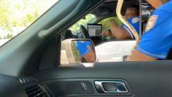 Politieagent fopt collega met valse slang