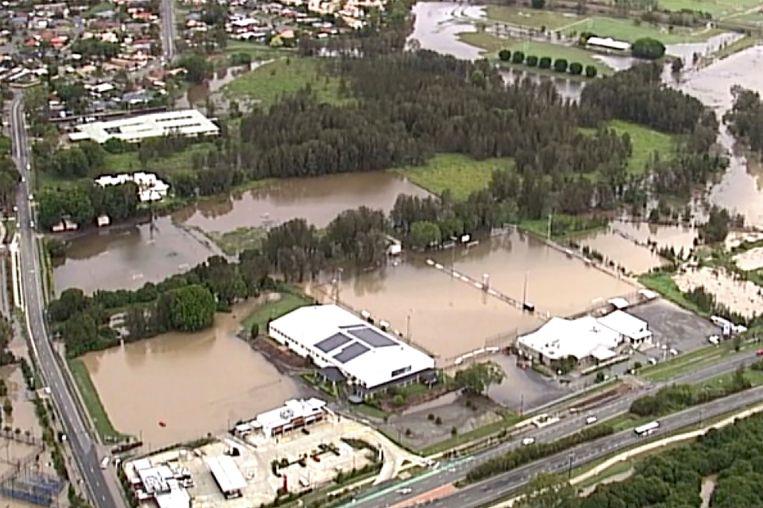 Verschillende delen van Queensland en New South Wales zijn overstroomd door de hevige regenval van de afgelopen dagen.
