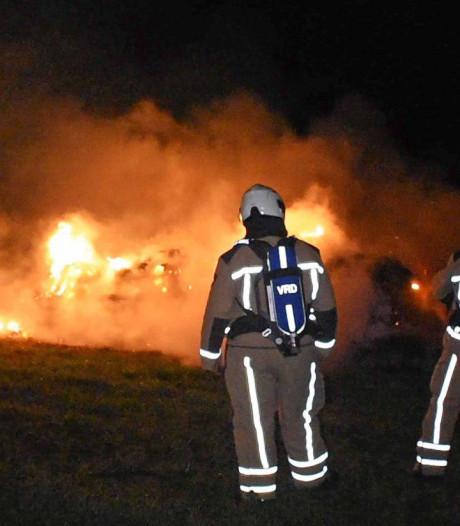 Brandende hooibult in Meppel snel geblust