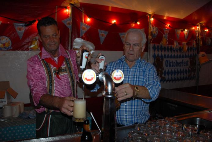 Willie Pijnenburg, de chairman van De Stappers, en kroegeigenaar Wllly Meulenbroek zijn de voornaamste kartrekkers van Das Oktoberfest