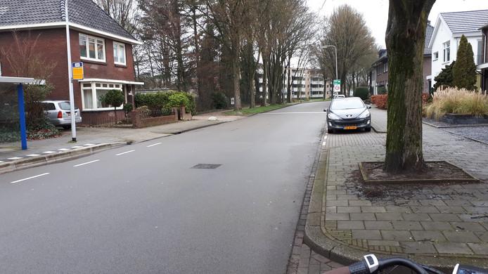 De Woolderesweg dreigt volgens VVN een tweede Deurningerstraat te worden als straks bewoners van Seahorse ook over die straat moeten rijden.