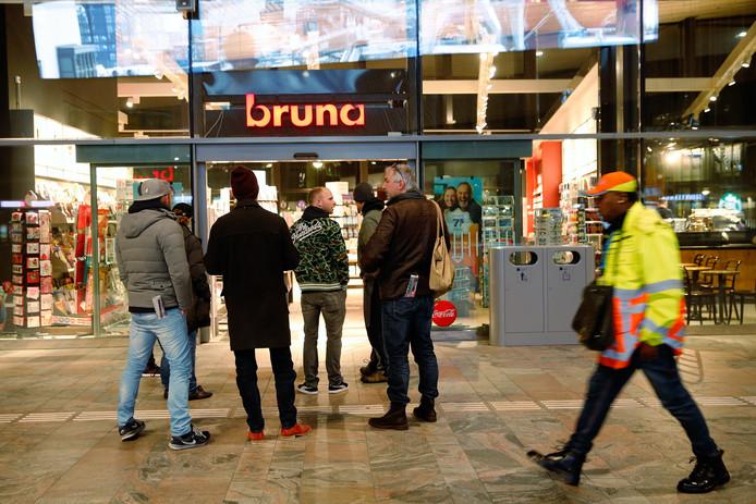 Bruna-winkel op het Centraal Station in Rotterdam.