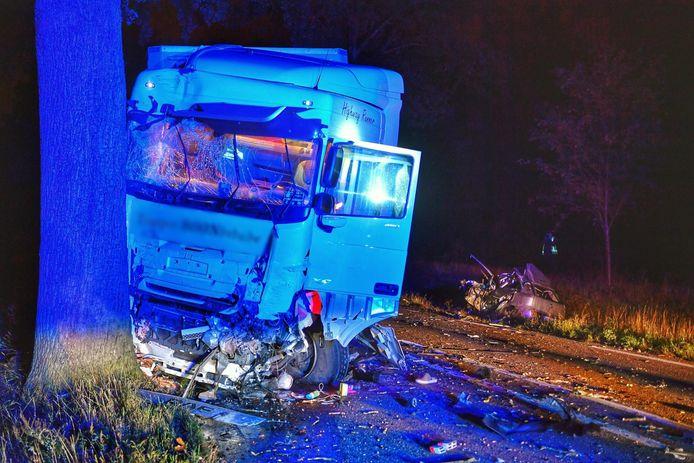 Bij een ongeval N69 tussen Valkenswaard en Belgische grens is een automobiliste om het leven gekomen.