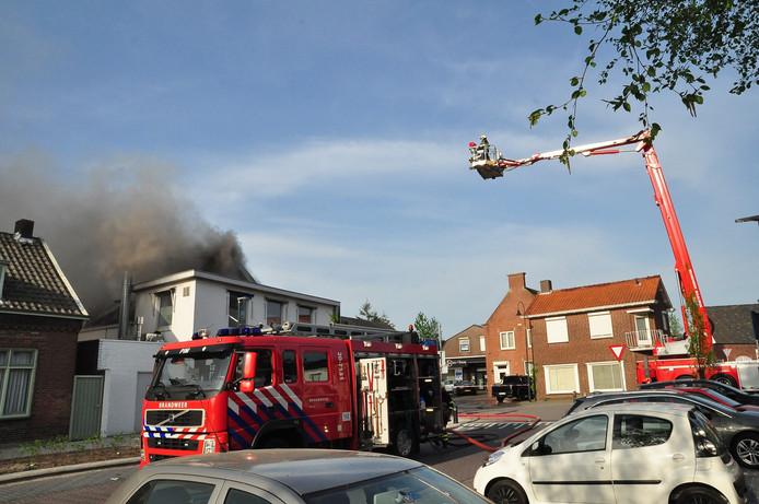 Brand bij Asya Bakkerij Waalwijk