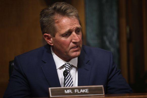 Jeff Flake pleitte voor een FBI-onderzoek naar de zaak.