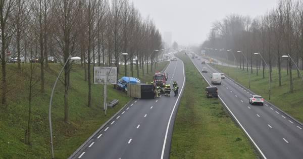 N325 bij Lent afgesloten door ongeval, file richting Arnhem.