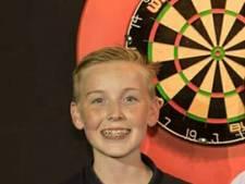 Tiener uit Ochten dart in Engeland