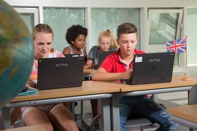 -stedelijk-lyceum-college-zuid-start-tweetalig-onderwijs-op-de-mavo