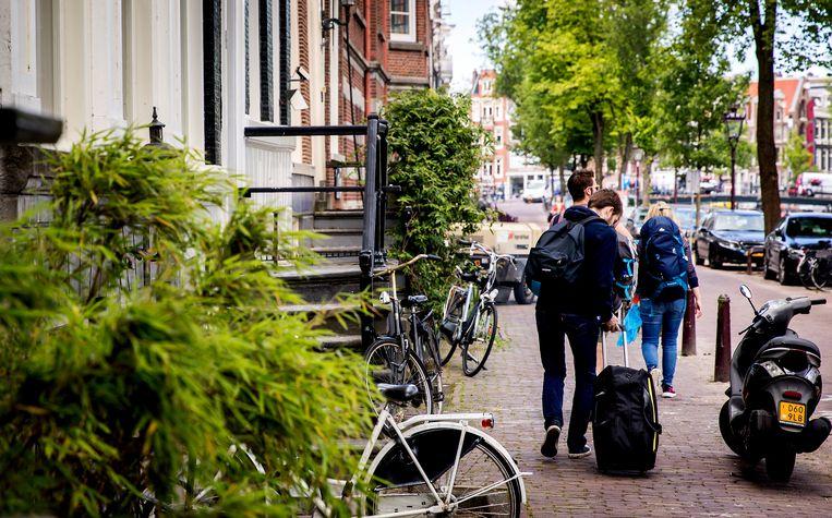Binnen een paar jaar is de verhuur van woningen via platforms als Airbnb geëxplodeerd, maar de inkomsten worden nauwelijks opgegeven bij de Belastingdienst. Beeld ANP