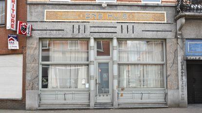 Ex-café wordt residentie Tante Renée: drie huurappartementen en feestzaal