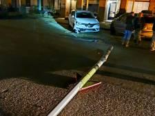 Man die geparkeerde auto van Samantha total-loss ramde en doorreed, meldt zich bij politie