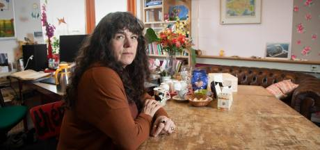 Thérèse is maatschappelijk werkster op school: 'Er komen hier veel verdrietige verhalen op tafel'