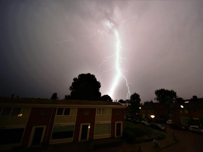 Hevig onweer in Gouda.