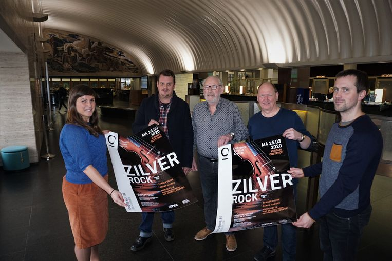 (vlnr) Schepen Natacha Waldmann, Jan Dhondt, Robert Duyck, Patrick Dupon en Kevin Jonckheere presenteren een nieuwe editie van Zilverrock in Oostende. De ticketverkoop vindt plaats in De Grote Post, voor het festival zelf moet je in het Kursaal zijn.
