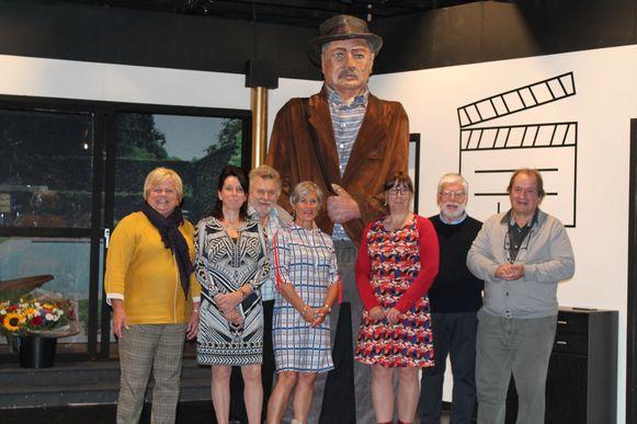 Toneelkring Schoolbond maakte de reus Schrobberbeek naar aanleiding van de 125ste verjaardag van de vereniging. Oud-voorzitter Jan Hendrickx Senior stond model.