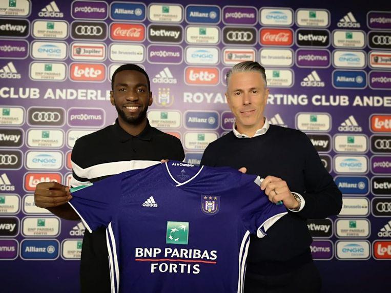 Michael Verschueren stelt Yannick Bolasie voor bij Anderlecht.