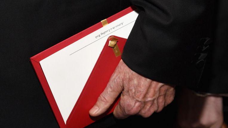 De envelop die uitreikers Warren Beatty en Faye Dunaway in handen kregen. Beeld null