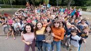 Tieners speelpleinwerking voeren campagne om geluidsinstallatie te winnen