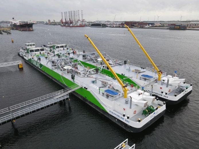 De FlexFueler 001 en FlexFueler 002 tijdens testen in de haven van Amsterdam tests
