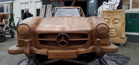 Een unieke Mercedes van... hout