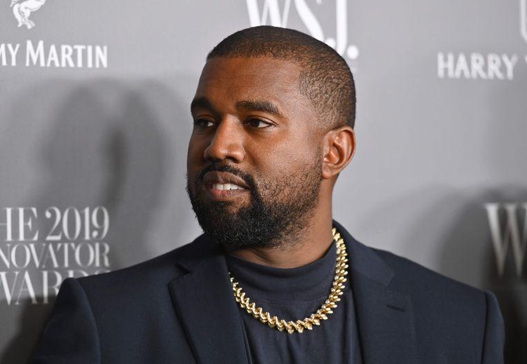 """De campagneslogan van Kanye West zal kort en bondig luiden: """"Yes!"""" Als 'running mate' kiest hij voor Michelle Tidball, een obscure predikante uit Wyoming."""