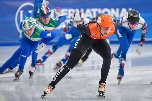 Suzanne Schulting tijdens de finale 1500 meter.
