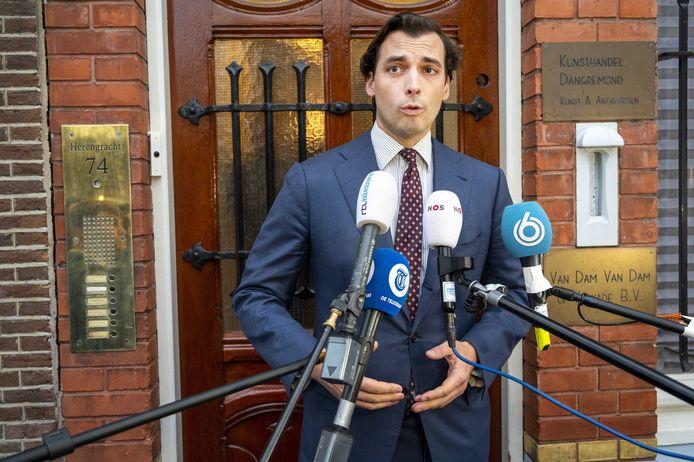 Thierry Baudet vorige week toen hij voor het partijkantoor van Forum voor Democratie de pers te woord stond.