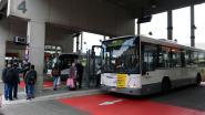 Vrouw zwaargewond na aanrijding door bus