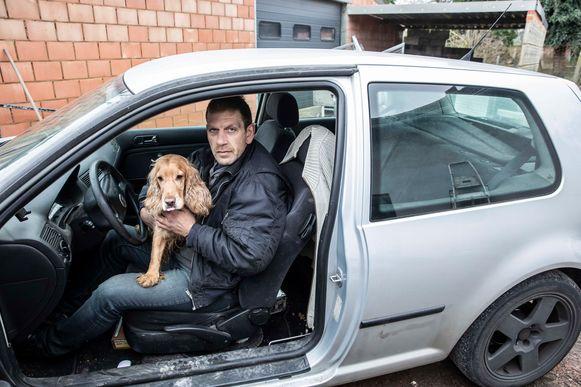 Mario Scheys leeft al enkele jaren in zijn auto.