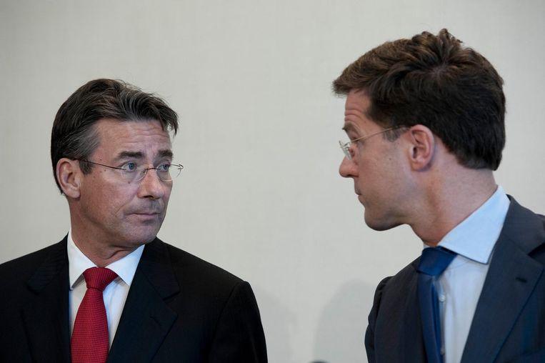 Premier Mark Rutte en Maxime Verhagen (CDA) geven een korte toelichting op het mislukken van het Catshuisberaad in 2012. Beeld anp