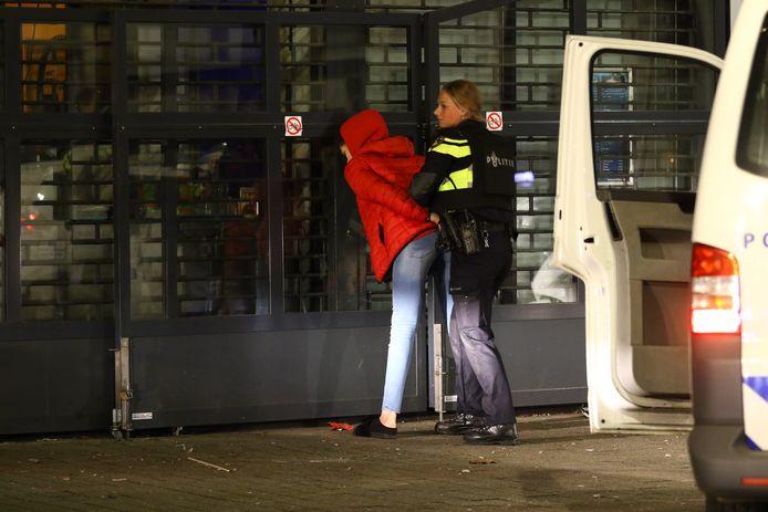 De politie heeft meerdere aanhoudingen verricht.