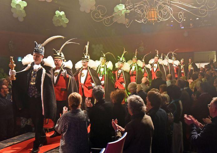 Carnavalsstichting AHC De Vossen uit Hulst steekt horecaondernemers een hart onder de riem.